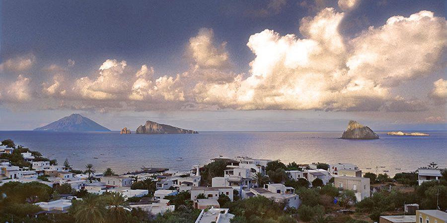 Cerca Hotel a Panarea Isole Eolie #panarea #eolie